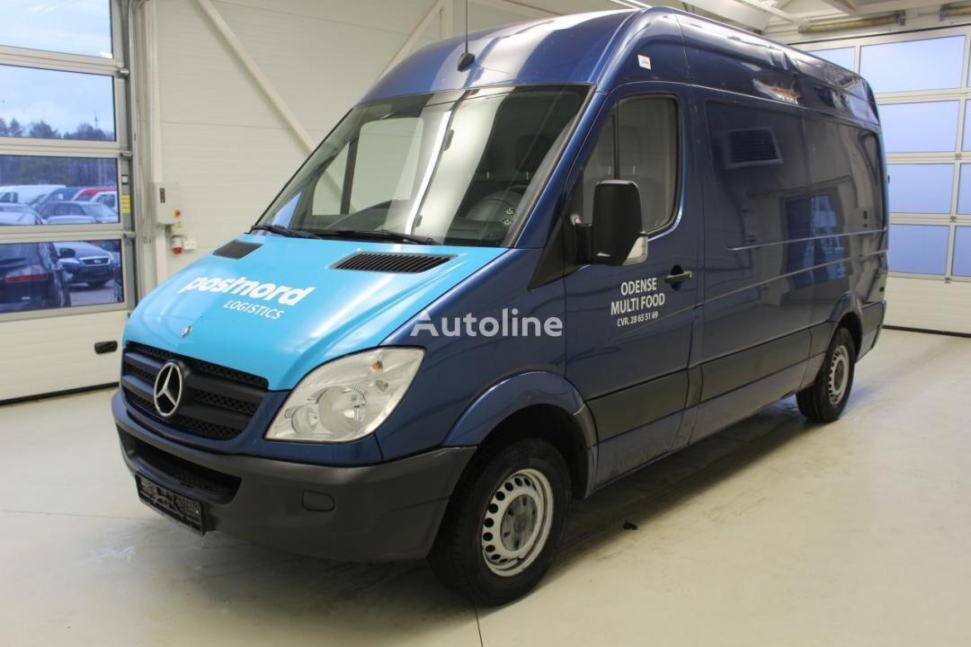 MERCEDES-BENZ Sprinter closed box van