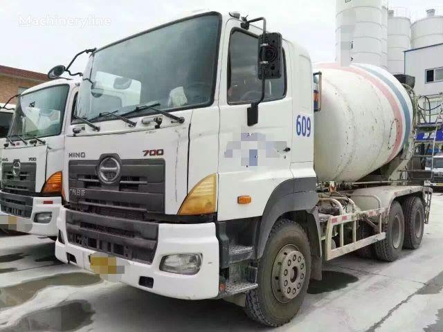 HINO 2012 concrete mixer truck