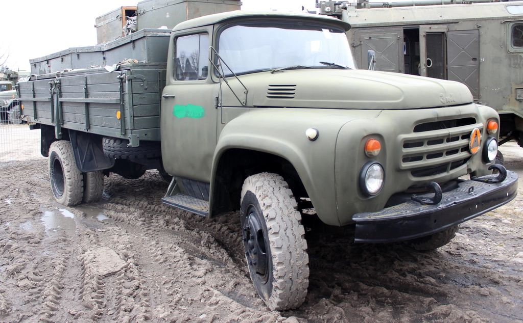 ZIL 130 (1) military truck
