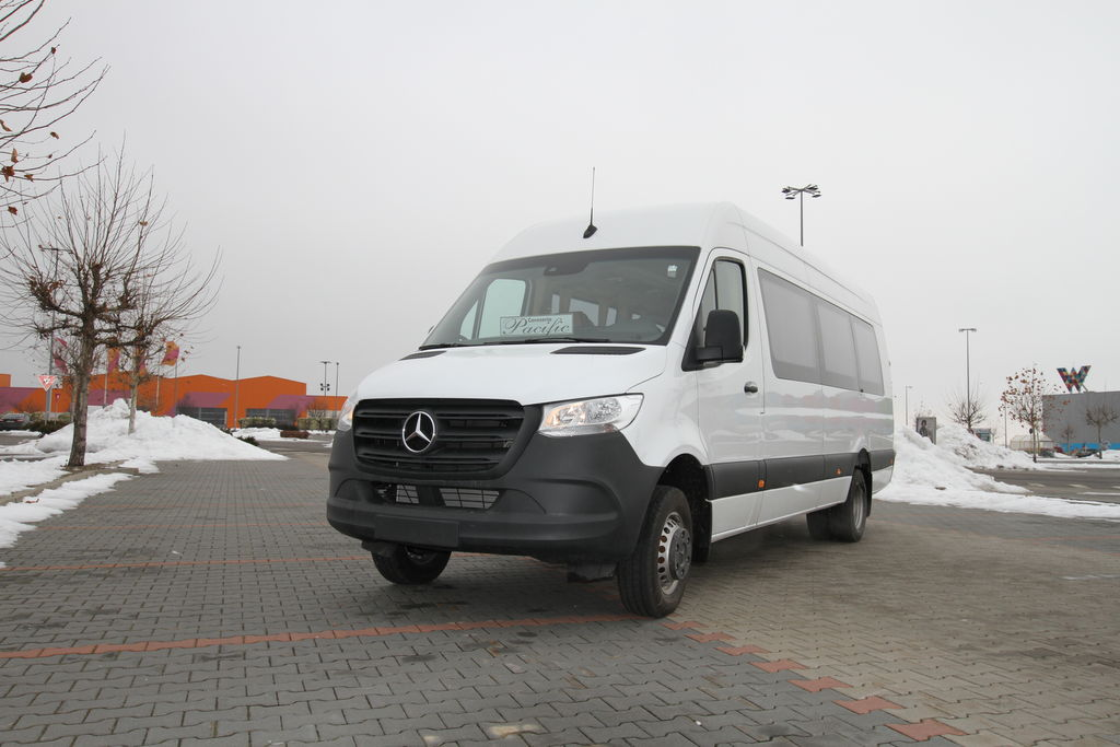 new MERCEDES-BENZ Sprinter 516,  *COC*  prolonged with 50cm fiber/steel, STOCK passenger van